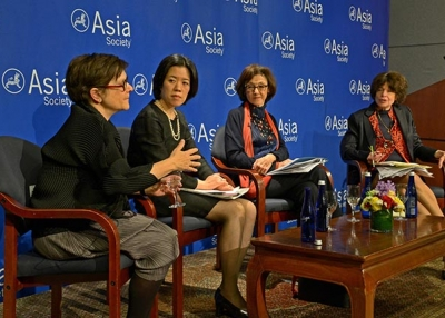 At an Asia Society New York panel discussion on March 16, Joanna Barsh and Henny Sender discuss the role of Japanese women in their country's economy. (Elsa Ruiz/Asia Society)