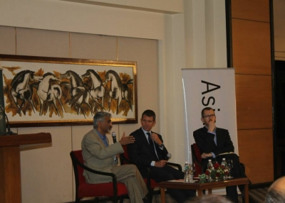 [L to R] Dr. Rajiv Lall, The Hon. Michael Baird, and James Crabtree in Mumbai on January 13, 2015. (Asia Society India Centre)