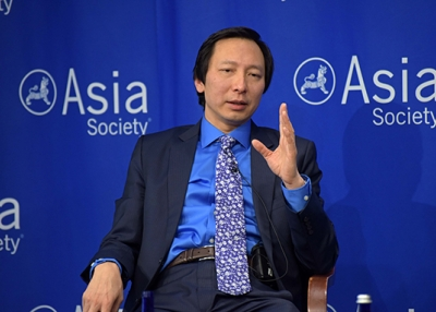 Chief economist Shang-Jin Wei at Asia Society on April 8, 2016. (Elsa Ruiz/Asia Society)