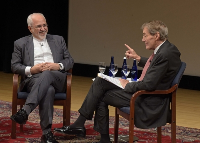 Iran Foreign Minister Mohammed Javad Zarif discuss his country's nuclear policy with television host and journalist Charlie Rose. (Elsa Ruiz/Asia Society)