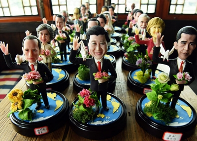 Dough figurines by folk craftsman Wu Xiaoli depict G-20 leaders coming to the 11th G20 Leaders Summit in Hangzhou, China. (STR/AFP/Getty Images)