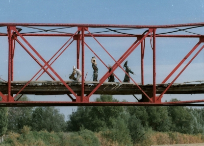 Red Bridge Kyzyl Tractor