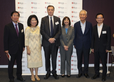 The Asia Society Policy Institute convened a Trade Policy Commission in Australia that examined the current trade architecture in the Asia-Pacific. Members include, from left to right, Yoichi Suzuki, Mari Elka Pangestu, Peter Grey, Wendy Cutler, Jong-hoon Kim, and Tu Xinquan. (Julia Bergen/Asia Society Australia)