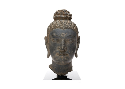 Head of Buddha. Pakistan, Gandhara area. Kushan period, late 2nd–early 3rd century.