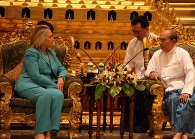 Secretary of State Hillary Clinton meets with Myanmar's President U Thein Sein at the Office of the President in Naypyitaw on Dec 1, 2011. [Flickr/U.S. Department of State]