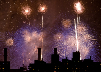 Fireworks over New York City. (Barry Yanowitz/Flickr.com)