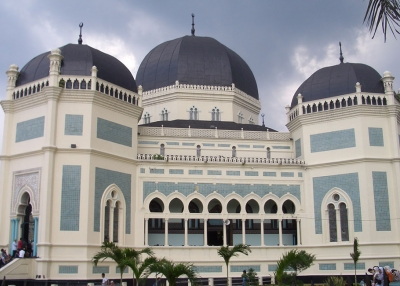 The Great Mosque of Medan, Indonesia (Mimihitam/Wikimedia Commons)