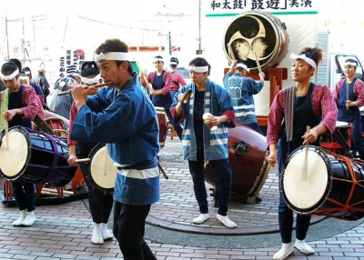 A New Year Drum Session (tanakawho/flickr)