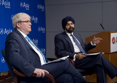 ASPI President Kevin Rudd (Chair) and MasterCard CEO Ajay Banga (co-chair) at the launch event for ASPI's task force, India and APEC: Charting a Path to Membership, on July 20, 2015 at Asia Society New York. (Ellen Wallop/Asia Society)