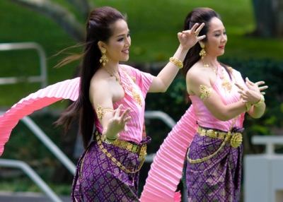 Royal Thai dancers. (kanaka/flickr)