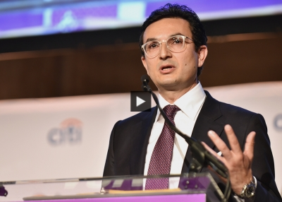 Dr. Munjed Al Muderis at Asia Society's 2018 Asia Game Changer Awards.