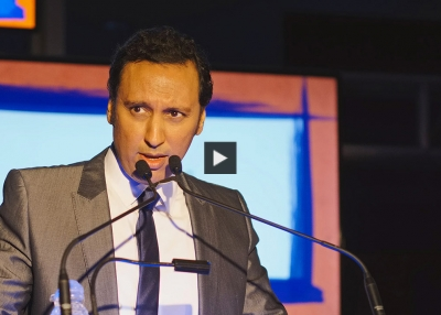 Aasif Mandvi Accepts His 'Very Heavy' Asia Game Changer Award