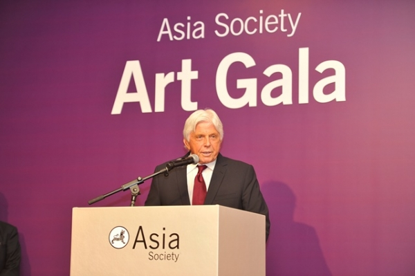 (L to R) Robert W. Miller at Asia Society's second annual Art Gala on May 12, 2014. (Asia Society Hong Kong Center)