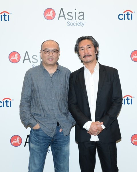 (L to R) Zhang Xiaogang and Michael Joo at Asia Society's second annual Art Gala on May 12, 2014. (Asia Society Hong Kong Center)