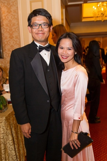 Asia Society supporters Hanson Li and Terrilynn Wong during the Annual Dinner reception. (Drew Altizer/Asia Society)