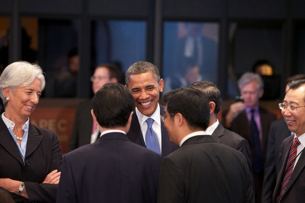 L to R: IMF Chief Christine Lagarde and U.S. President Barack Obama talk with China President Hu Jintao at the opening session of the 2011 APEC Summit at the Marriott Hotel in Honolulu on Nov. 13, 2011. (International Monetary Fund/Flickr)