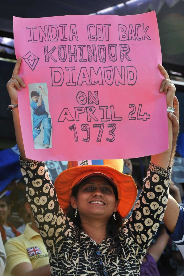 A spectator acknowledges Tendulkar's birthday during the IPL Twenty20 match between Deccan Chargers and Mumbai Indians at the Rajiv Gandhi International Stadium in Hyderabad on April 24, 2011. (Noah Seelam/AFP/Getty Images)