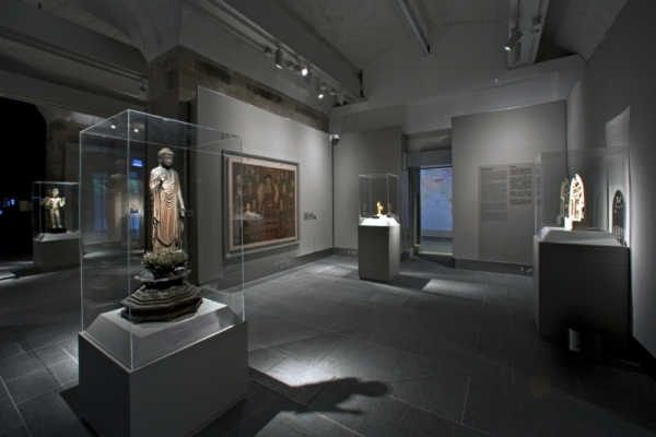 Transforming Minds: Buddhism in Art. (Asia Society Hong Kong/John Nye)