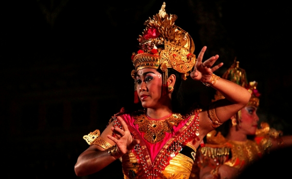 A dancer in Bali in the midst of a performance on July 25, 2012. (worldsurfr/Flickr)