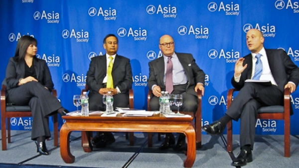 (From L to R) Suzanne DiMaggio, Husain Haqqani, Frank Wisner, Alexander Evans at Asia Society on Dec.12, 2012 (Debra Eisenman/Asia Society)