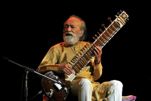 World-renowned Indian sitar maestro Ravi Shankar, shown here in Bangalore on February 7, passed away on December 11, 2012. (Manjunath Kiran/AFP/Getty Images)