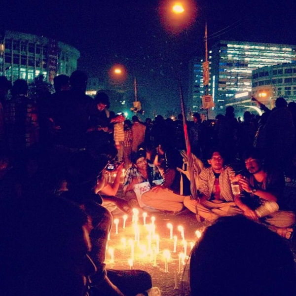Hundreds of people spend the night waiting at Shahbag in protest. (Naorose Bin Ali)