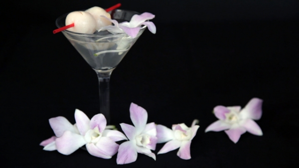Take a step-by-step look at how we create our classic, refreshing, Asia-inspired drink, served only at Asia Society. (Tahiat Mahboob/Asia Society)