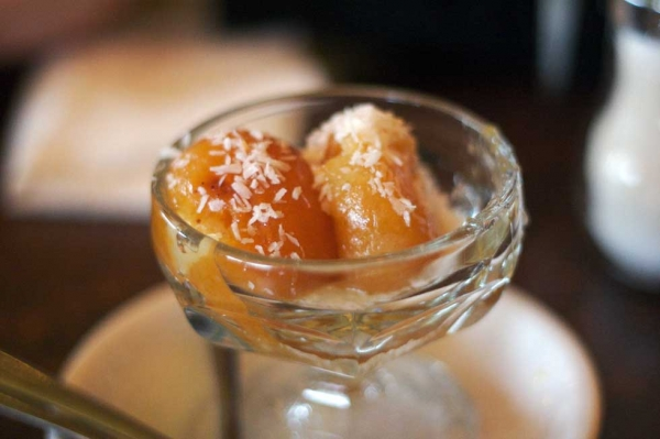 The classic golab jamun. (roland/Flickr)