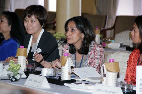 L to R: Jade Taihee Chung, Kalpana Raina, and Sheila Marcelo at Asia Society's Women Leaders of New Asia conference in New Delhi in April 2013. (WLNA)