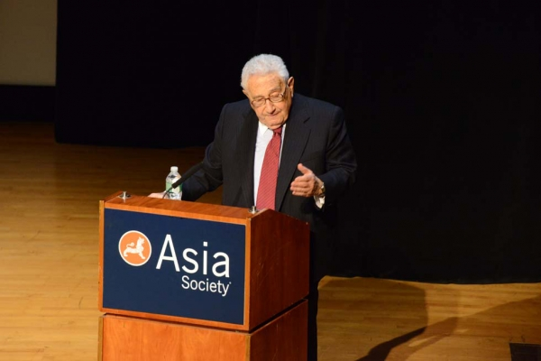 Former U.S. Secretary of State Henry Kissinger delivered remarks at Asia Society New York on May 21, 2013. (Kenji Takigami)