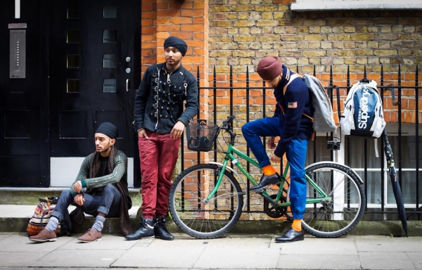 """Singh Street Style"" founder Pardeep Singh Bahra (L) and friends strike a pose. (Pardeep Singh Bahra/Singh Street Style)"