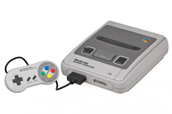 1990: Super Nintendo Entertainment System (Evan-Amos/Wikipedia)