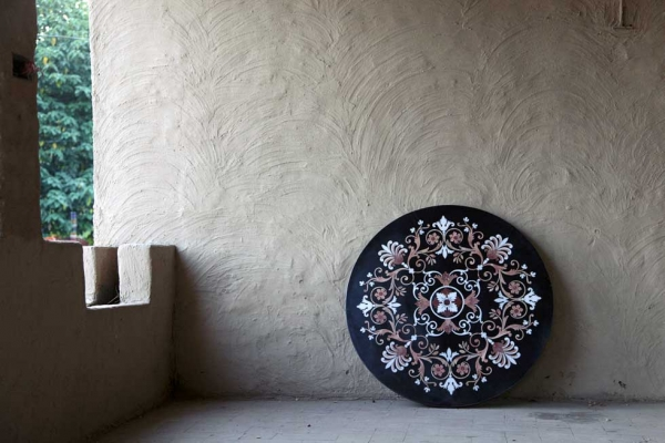 Farhana Asad's company LEL works to preserve pietra dura, the art of handcrafted stone inlay, adhering to ancient techniques but with contemporary innovations. Above: Neo-Islamic tabletop, 4 ft. diameter (marble). (Omer Gilani @ Happa Studio)