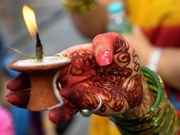 Photos: Henna, Color, and Ceremony Mark Summer Shravan