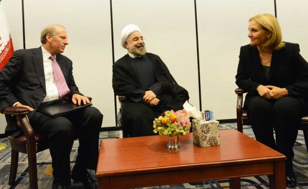 L to R: President of the Council on Foreign Relations Richard Haas, Iranian President Hassan Rouhani, and Asia Society President Josette Sheeran in New York on September 26, 2013. (Kenji Takigami/Asia Society)