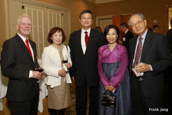 ASNC's Excecutive Director, Bruce Pickering (far left) and ASNC Advisory Board Co-Chair, Chong-Moon Lee (far right) and guests (Frank Jang Asia Society)