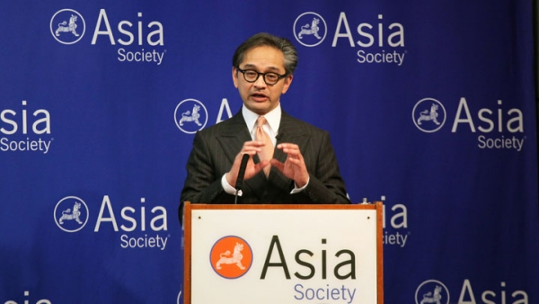 Dr. Marty Natalegawa, Foreign Minister of Indonesia, speaking at Asia Society New York on Sept. 29, 2014. (Ellen Wallop/Asia Society)