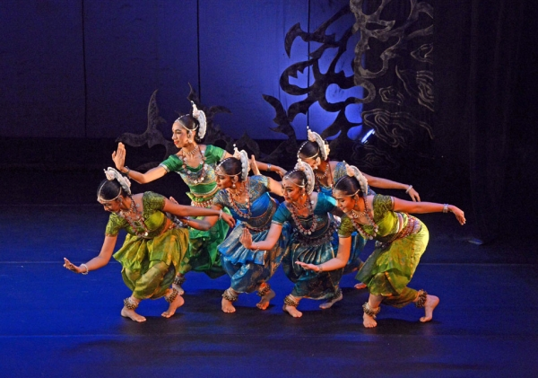 Members of Sutra Dance Theater onstage at Asia Society New York on Nov. 6, 2014. (Elsa Ruiz/Asia Society)