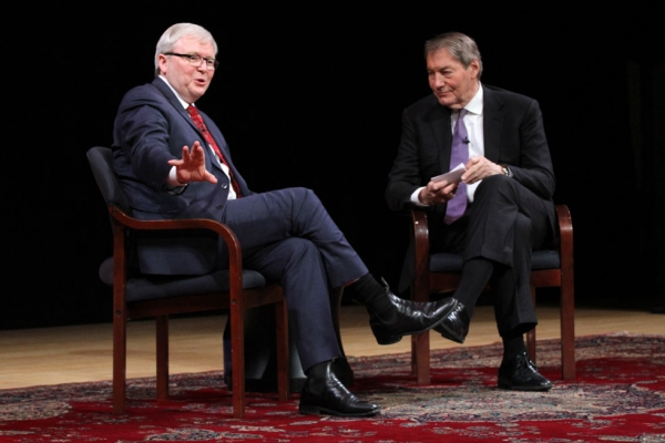 Kevin Rudd (L) and Charlie Rose in conversation at Asia Society New York on February 17, 2015. (Ellen Wallop/Asia Society)