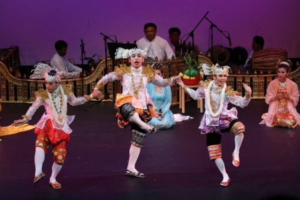Members of Myanmar's Shwe Man Thabin company perform at Asia Society New York on April 11, 2015. (Ellen Wallop/Asia Society)