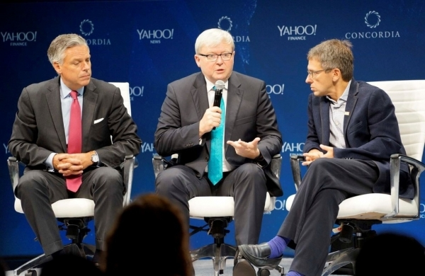 (L to R) Jon Huntsman, Kevin Rudd, and Ian Bremmer in discussion at the Concordia Summit 2015 on October 2. (Adrian Andrews/Asia Society)