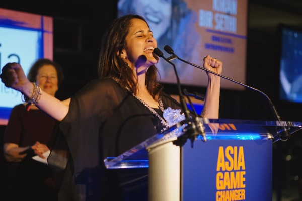Riverside School Founder Kiran Bir Sethi speaks after receiving her Asia Game Changer award on October 13, 2015. (Jamie Watts/Asia Society)