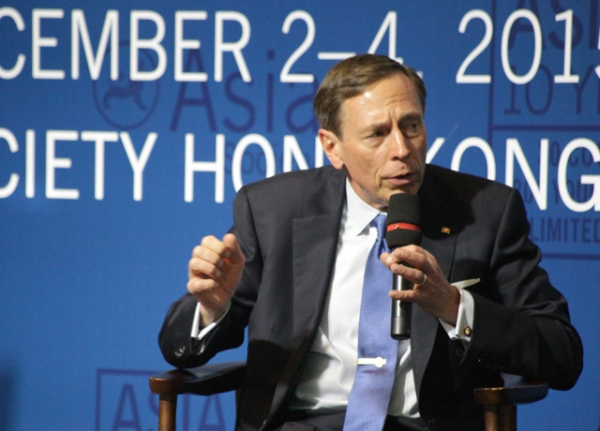 Gen. David Petraeus (Ret.) in conversation with Asia Society Executive Vice President Tom Nagorski at the Asia 21 Summit in Hong Kong. (Tahiat Mahboob/Asia Society)