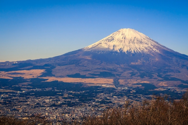 A view of Mount Fuji with the city of Gotemba at its base in Shizuoka Prefecture, Japan on December 5, 2015. (Reginald Pentinio/Flickr)