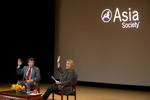 New York Times columnist and social activist Nicholas Kristof joins Asia Society President Josette Sheeran at Asia Society in New York on February 26, 2015 for a wide-ranging discussion on China, journalism, advocacy, and philanthropy. (Elsa Ruiz/Asia Society)