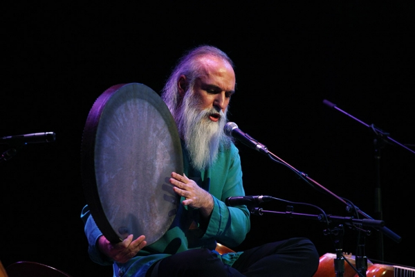 "Tehran-based Davod Azad, a vocalist, composer, multi-instrumentalist, and master of the tar and setar, captivated audiences during his showcase ""Echoes of the Mystic"" at Asia Society on January 31. (Ellen Wallop/Asia Society)"