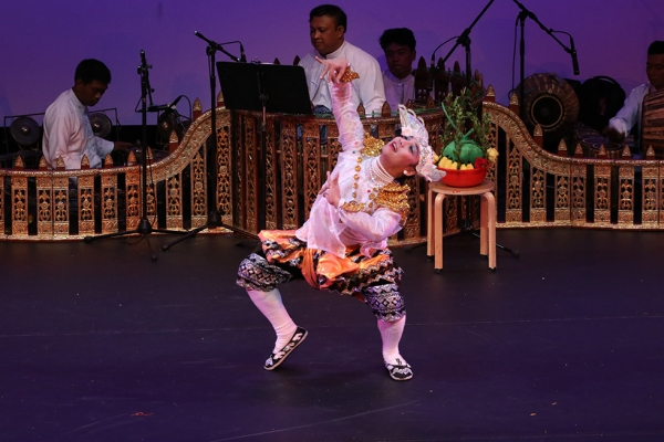On April 10, Asia Society hosted Shwe Man Thabin Zat Pwe, a Burmese troupe that presented a panoply of music, song, dance, drama, and comedy — all led by a male stage star (pictured) known as a mintha. (Ellen Wallop/Asia Society)