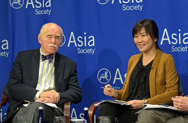 Jerome Cohen (L) and Yu-jie Chen discuss the implications of Taiwan's recent election at Asia Society in New York on January 27. (Elsa Ruiz/Asia Society)