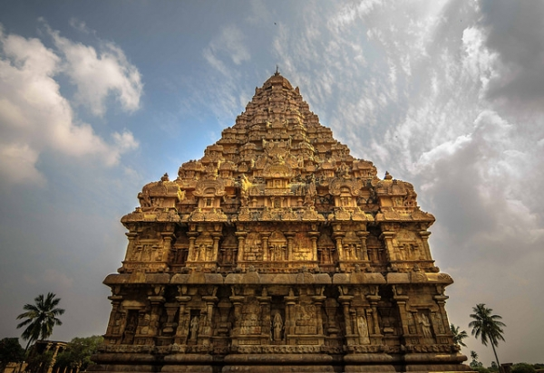 A majestic temple with intricate carvings in Tamil Nadu, India on January 22, 2016. (Aravindan Ganesan/Flickr)