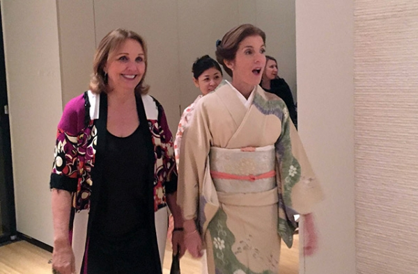 Ambassador Caroline Kennedy (R) gets her first glance at the Asia Society New York gallery and Kamakura exhibit with Asia Society President Josette Sheeran. (Eric Fish/Asia Society)